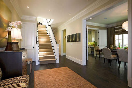 1771 North Point: Entry