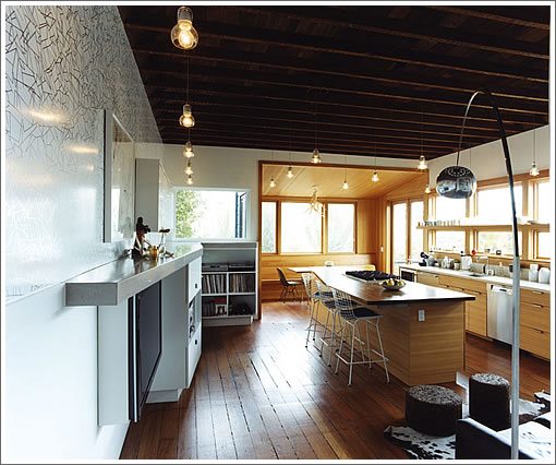 264 Clipper: Kitchen (Image Source: envelopead.com)