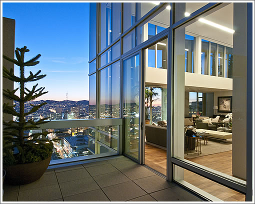 188 Minna Penthouse Sunset View