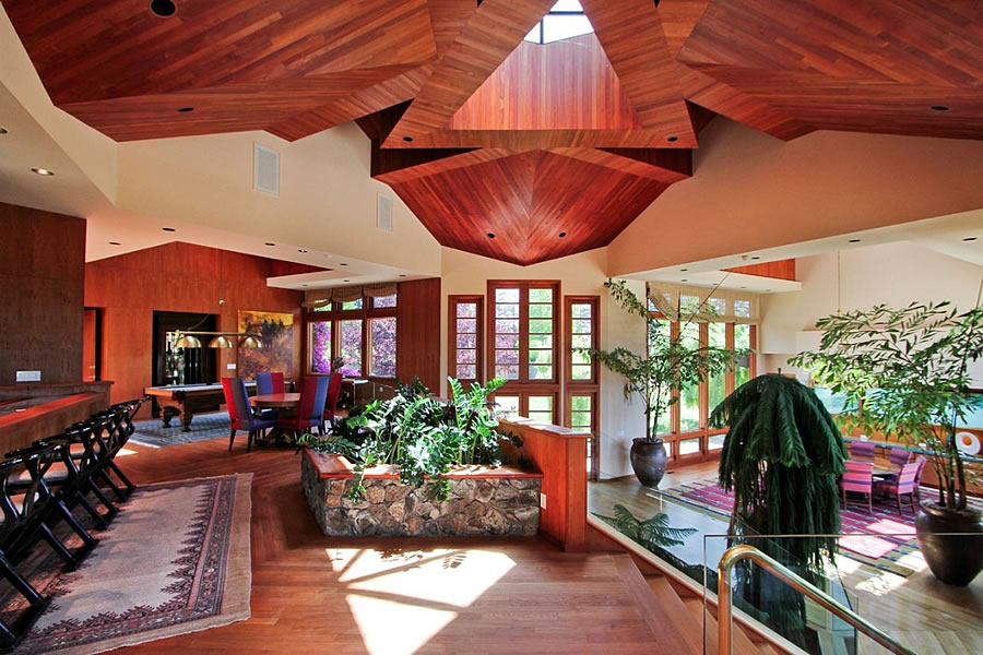 Another Two Comma Cut For A One-Of-A-Kind Silicon Valley Home