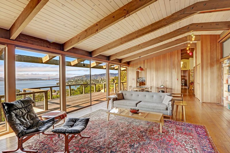 A Pristine Mid-Century Modern View Home For $2.995 Million