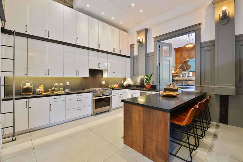 651 Dolores 2016 - Kitchen