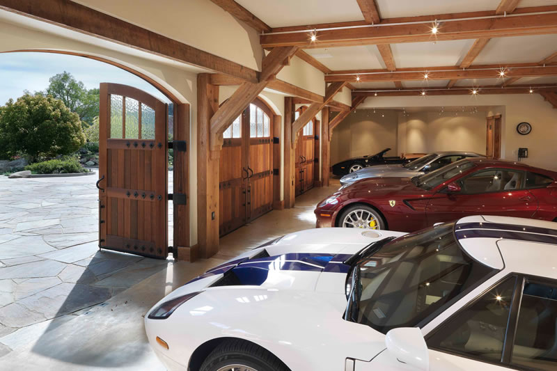 10 Winding Lane Garage
