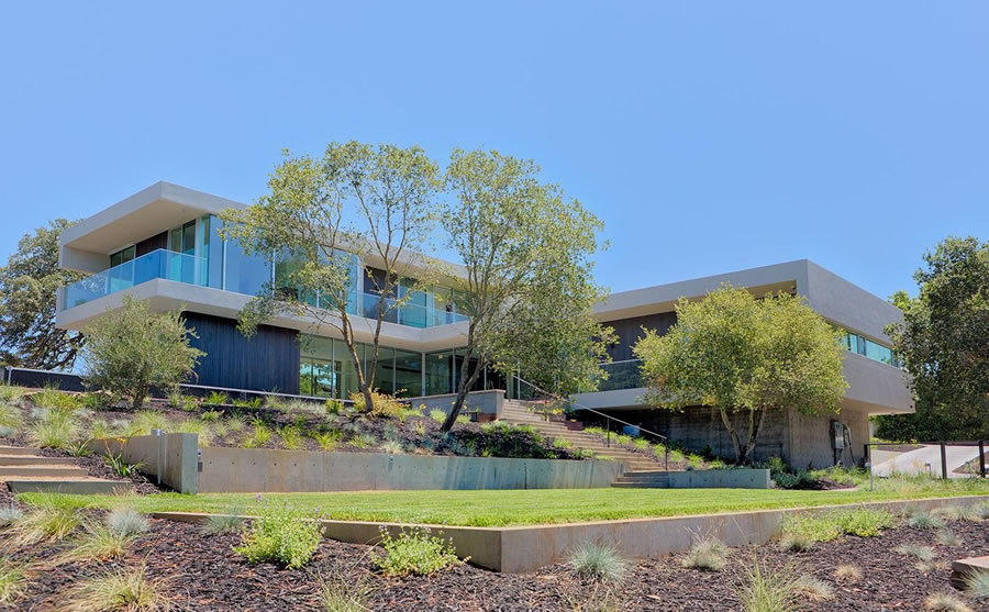 Modern Los Altos Hills Abode Fetches $9.75 Million