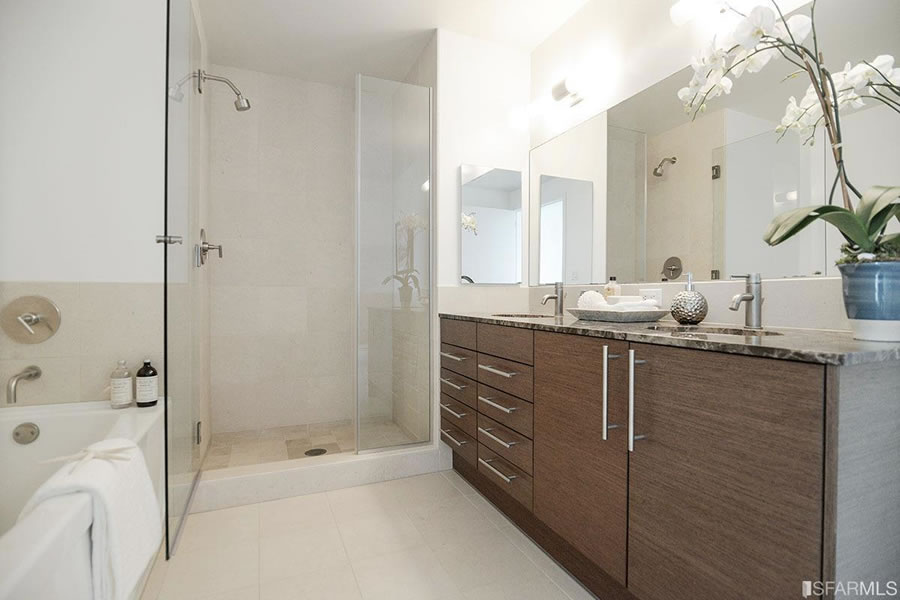 301-main-street-23b-bathroom