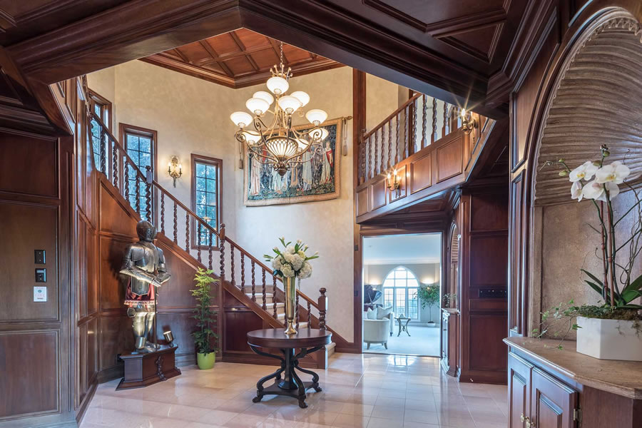 21449 Toll Gate Road Foyer