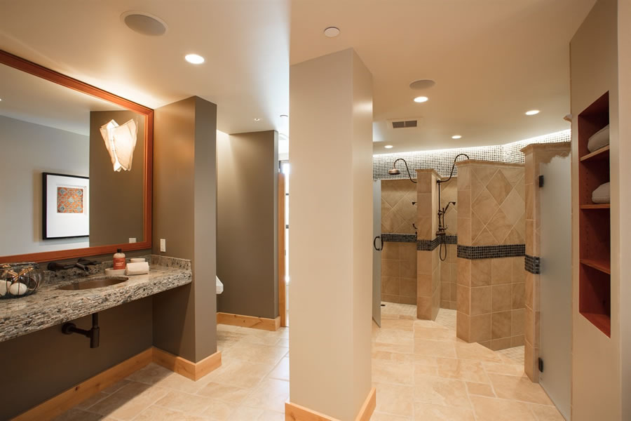 10 Winding Lane 2017 Sports Center Bathroom