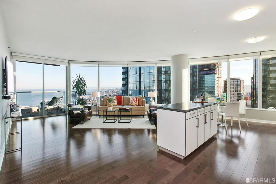 Sub-2015 Pricing for a Luxury Two-Bedroom with Views