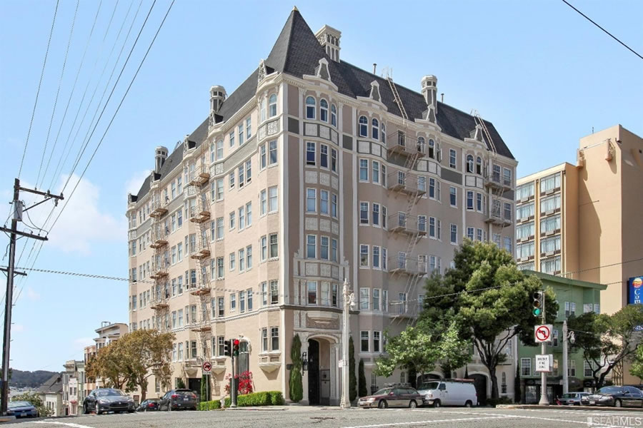 Studio in the Marina Chateau Fetches 10 Percent over Its 2016 Price