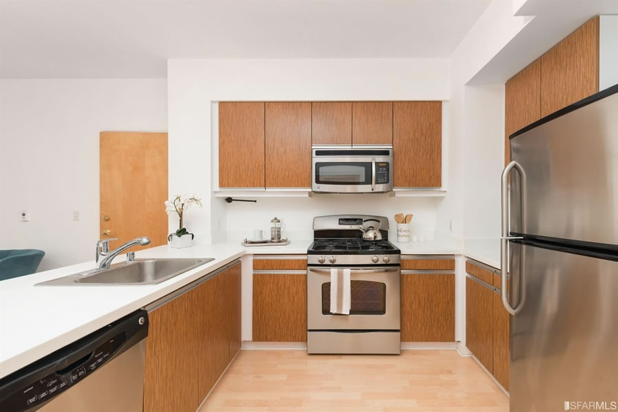 Two-Bedroom on Third Fetches 5.7 Percent over Its Early 2015 Price