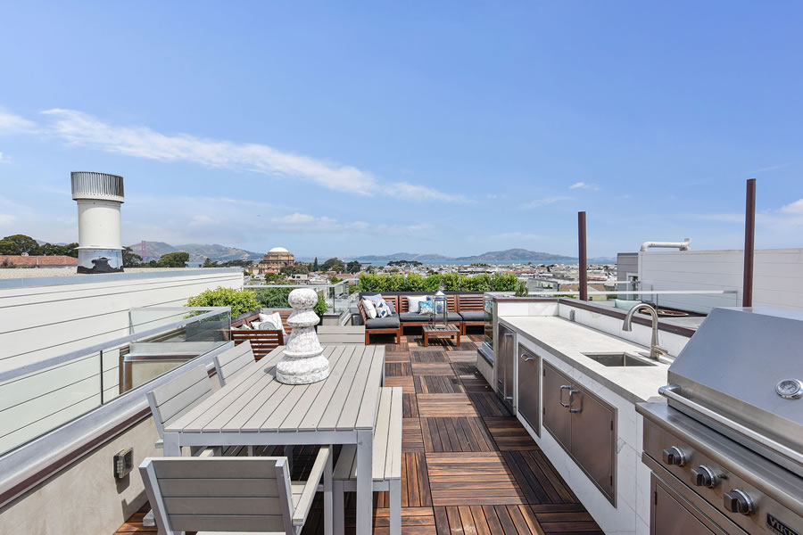 2764 Greenwich Roof Deck