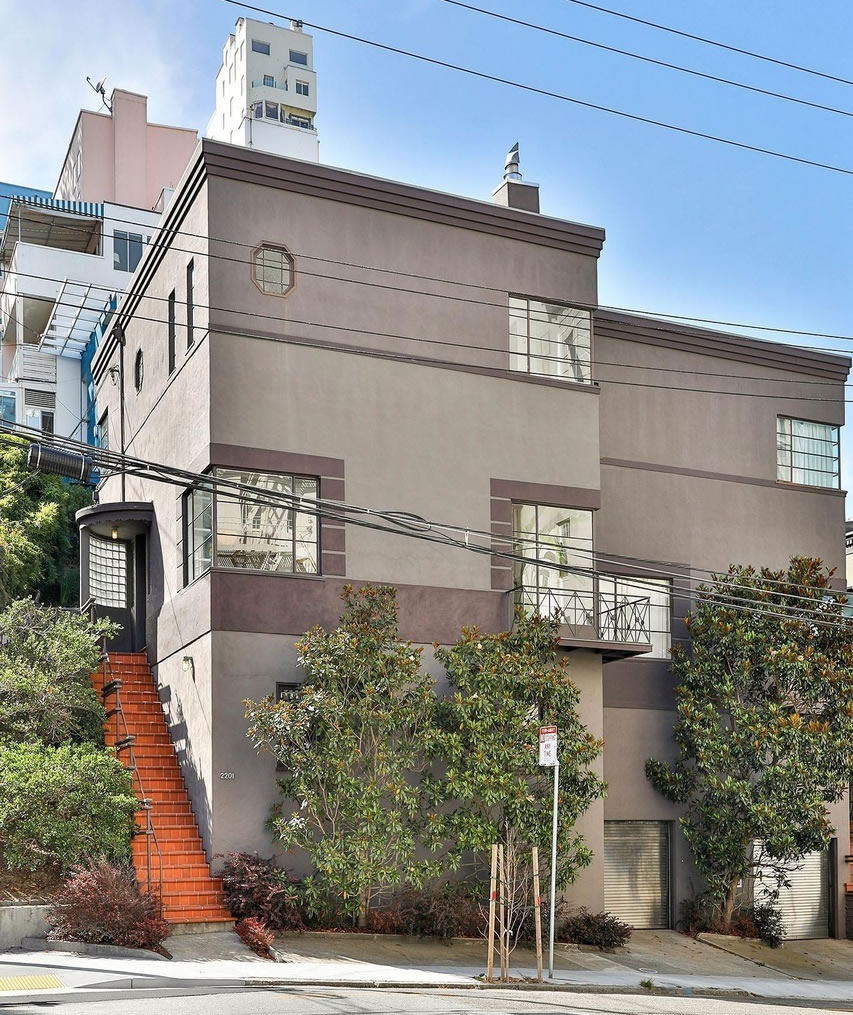 House-Like Russian Hill Gem Drops Below its 2016 Price
