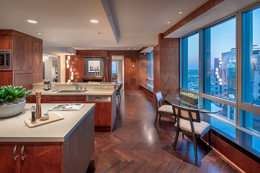 Prestigious Penthouse Trades at a Loss